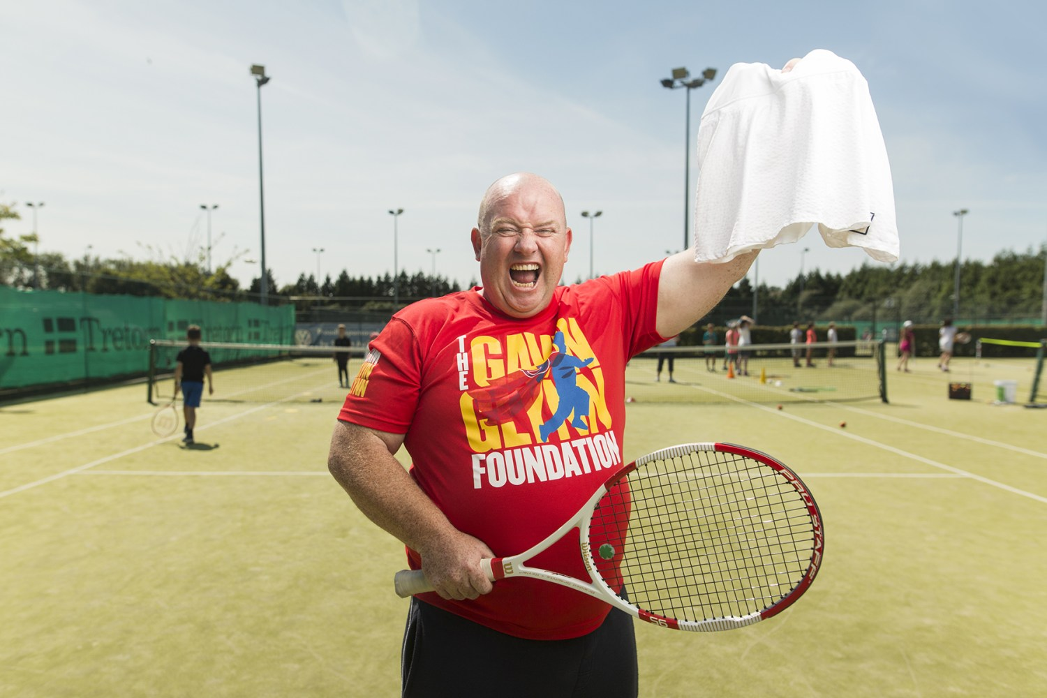 Viral Wimbledon heckler Chris Quinn and John Glynn of The Gavin Glynn Foundation pictured at Greystones Lawn Tennis Club. Quinn is set to auction off a white skirt from Wimbledon in aid of the local Greystones based charity, which helps sick Irish children who have to travel abroad for treatment. Visit thegavinglynnfoundation.ie/auction to bid!